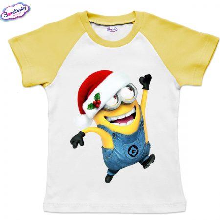 Детска тениска жълто Миньон с коледна шапка
